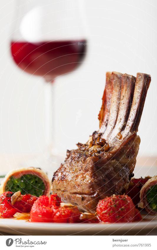 Das Schweigen der Lämmer rot braun Lebensmittel Glas Getränk gut Wein lecker Bioprodukte mediterran Teller Fleisch Tomate Skelett Ehrlichkeit Braten