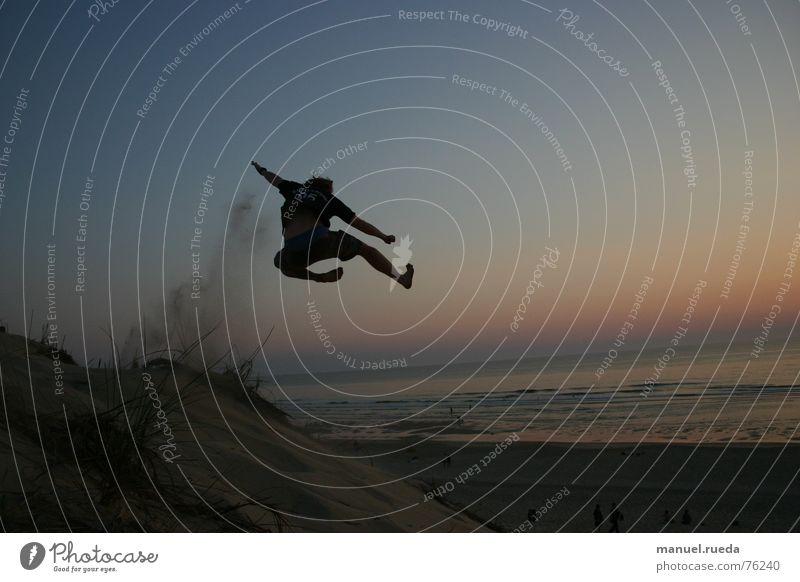 Kung Fu Beach Strand Meer Sonnenuntergang springen Karate Kampfsport chinesische Kampfkunst Gegenlicht Freiheit Freude
