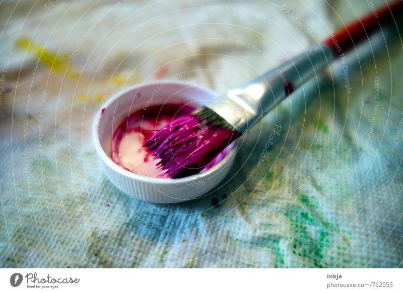 die Farbe lila Lifestyle Freude Freizeit & Hobby malen Kunst Pinsel Farbstoff violett Verschlussdeckel Farbspur liegen frisch nass mehrfarbig Gefühle