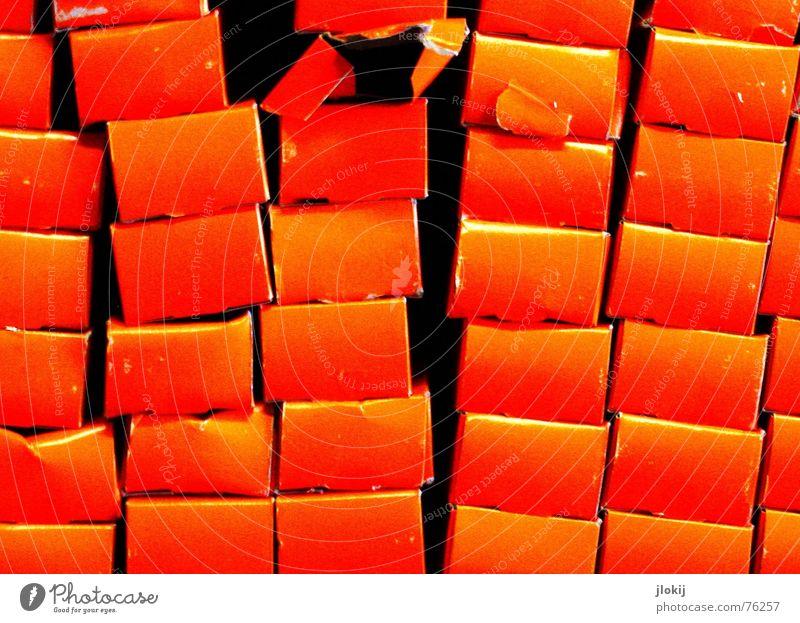 Juice Farbe rot Freude orange Turm Überraschung chaotisch durcheinander Verpackung Stapel Fuge zählen Paket Schaufenster umfallen Rutsche