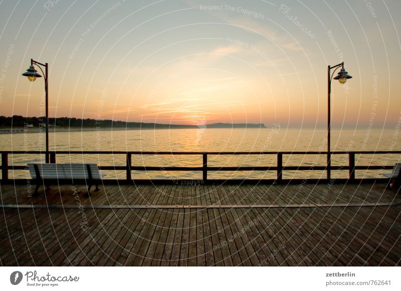 Laterne, Sonne, Laterne Himmel Ferien & Urlaub & Reisen Meer Erholung ruhig Ferne Horizont Insel Geländer Straßenbeleuchtung Ostsee Sehnsucht Gelassenheit Steg