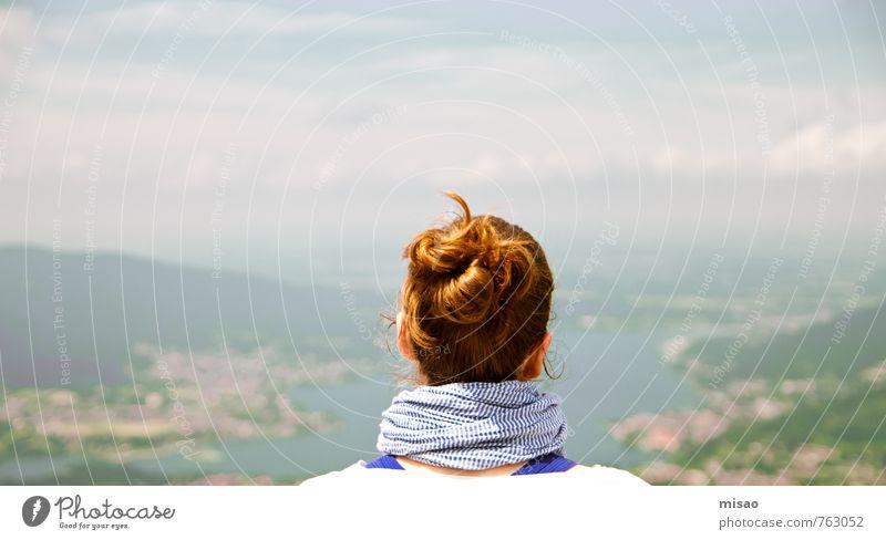 Ein Zopf auf Reisen Sommer Erholung Landschaft ruhig Ferne Wald Berge u. Gebirge Haare & Frisuren Gesundheit Kopf Freizeit & Hobby Kraft Zufriedenheit Idylle Erfolg Tourismus