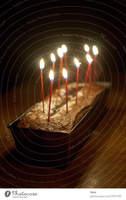 fertig... Freude Glück Feste & Feiern Stimmung Party Zusammensein leuchten Geburtstag Tisch Lebensfreude Romantik Kerze Veranstaltung Überraschung Kuchen