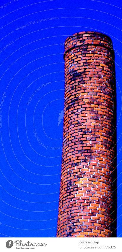 der schiefe turm von altona Himmel blau rot orange Industrie Backstein Schornstein