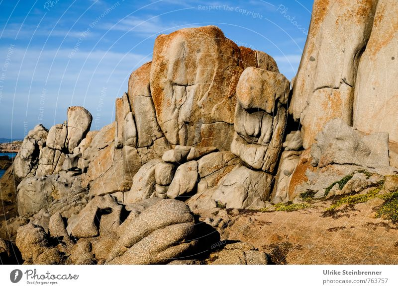 Bizarr | Sardische Riesen Himmel Natur Ferien & Urlaub & Reisen Sommer Meer Landschaft Umwelt Wärme Küste natürlich Stein außergewöhnlich Sand Felsen Erde Tourismus