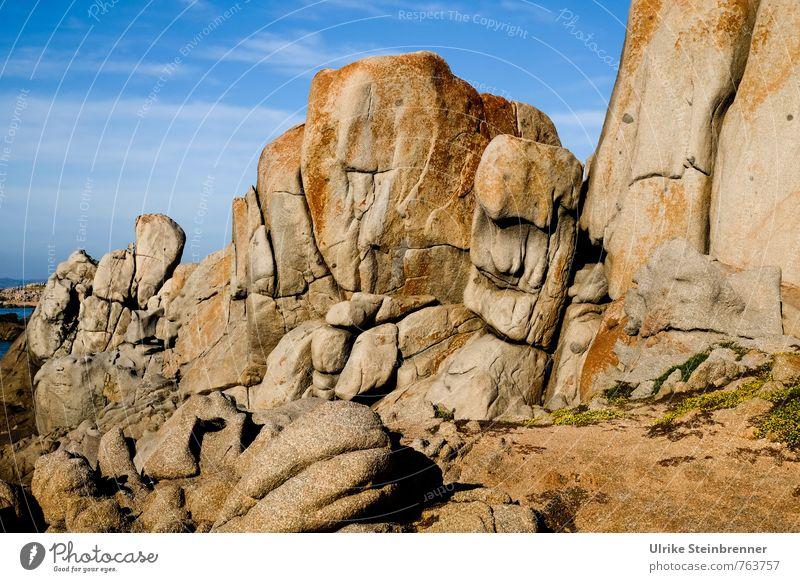 Bizarr | Sardische Riesen Himmel Natur Ferien & Urlaub & Reisen Sommer Meer Landschaft Umwelt Wärme Küste natürlich Stein außergewöhnlich Sand Felsen Erde