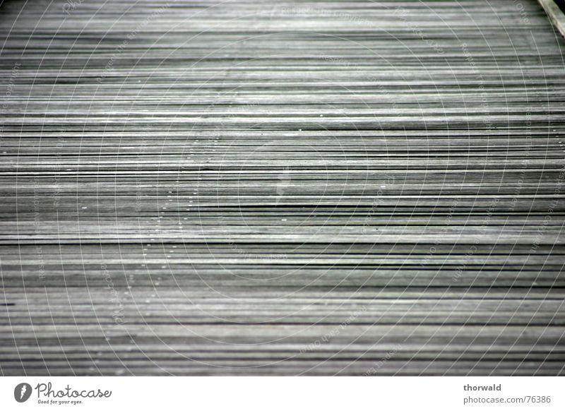 Steg Holz grau Linie Steg Faser Travemünde