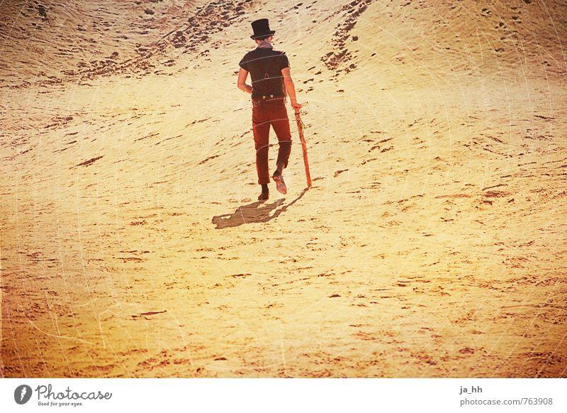 Wüste Einsamkeit Ferne Strand Wärme Freiheit Sand wandern Perspektive Ausflug Wandel & Veränderung Abenteuer Unendlichkeit Hoffnung Sehnsucht Zukunftsangst