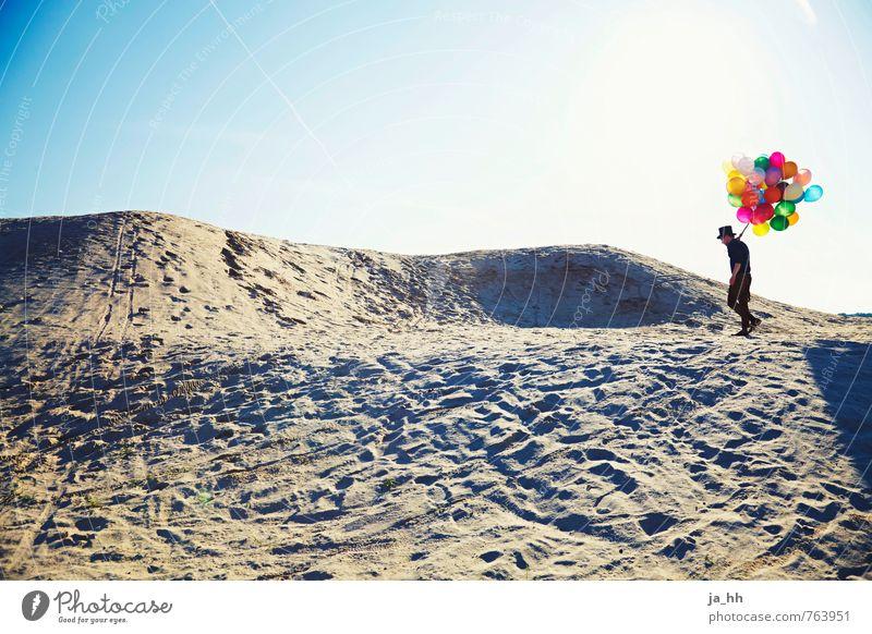 Luftballons VI Künstler Strand Sand Erholung wandern fantastisch Kitsch Gefühle Freude Glück Fröhlichkeit Romantik Fernweh Abenteuer Beginn entdecken Freiheit