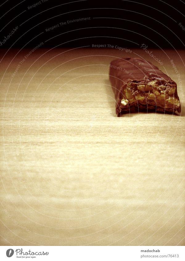 DU SCHAUST... Ernährung Sünde Lust genießen Schokolade lecker Geschmackssinn Studentenfutter Snack Kalorie Diät Lebensmittel Kunde Süßwaren verführerisch