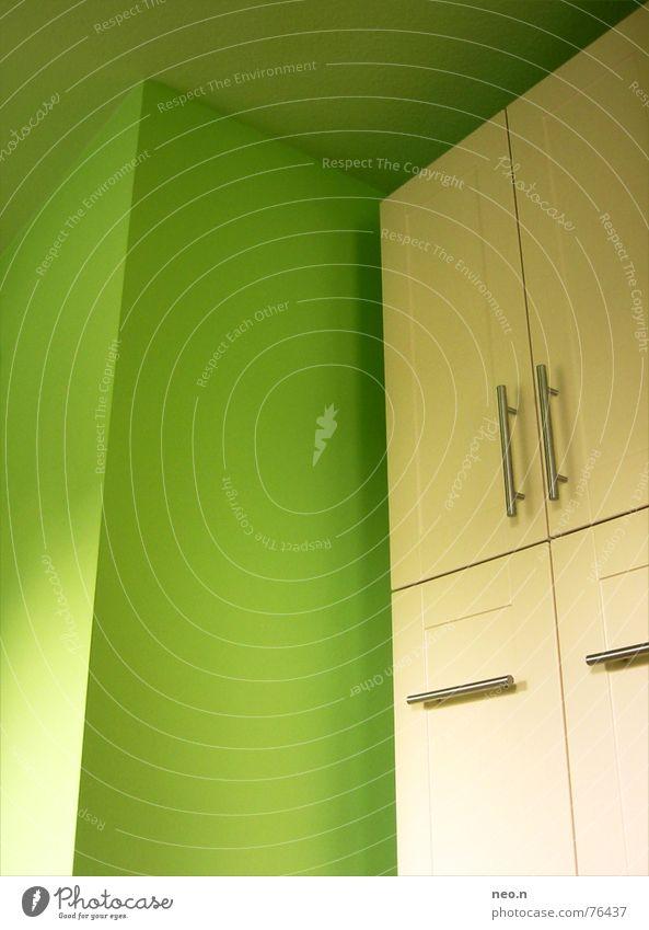 Küchenschrank grün weiß Farbe Wand Architektur modern Ecke Griff Schrank
