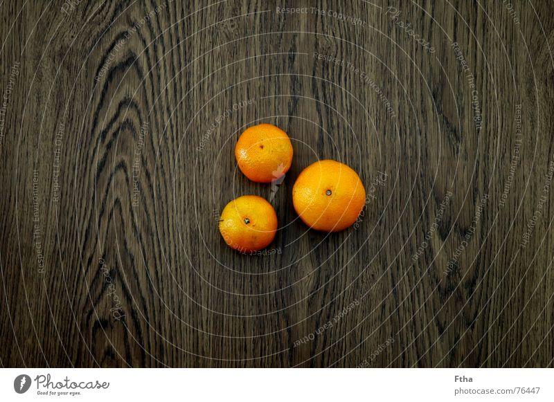 Holzclemmies Mandarine gelb fruchtig 3 Frucht obskur orange Maserung liegen