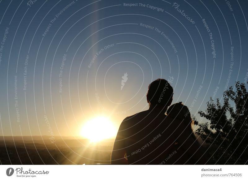Mensch Frau Natur Ferien & Urlaub & Reisen Jugendliche Mann blau Sommer Sonne Junge Frau Landschaft 18-30 Jahre Junger Mann gelb Erwachsene Wärme