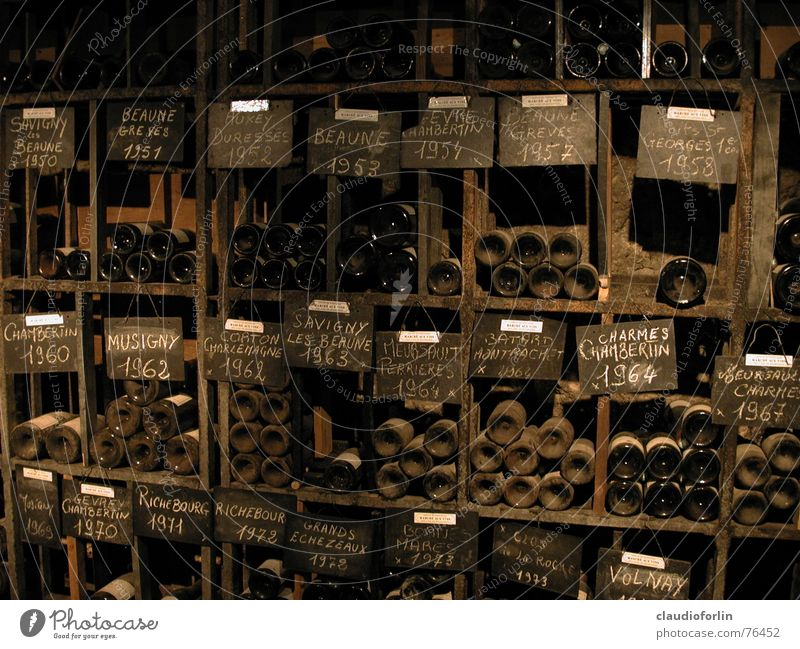 Weinkeller alt braun Wein Frankreich Flasche Weinkeller Burgund Keller