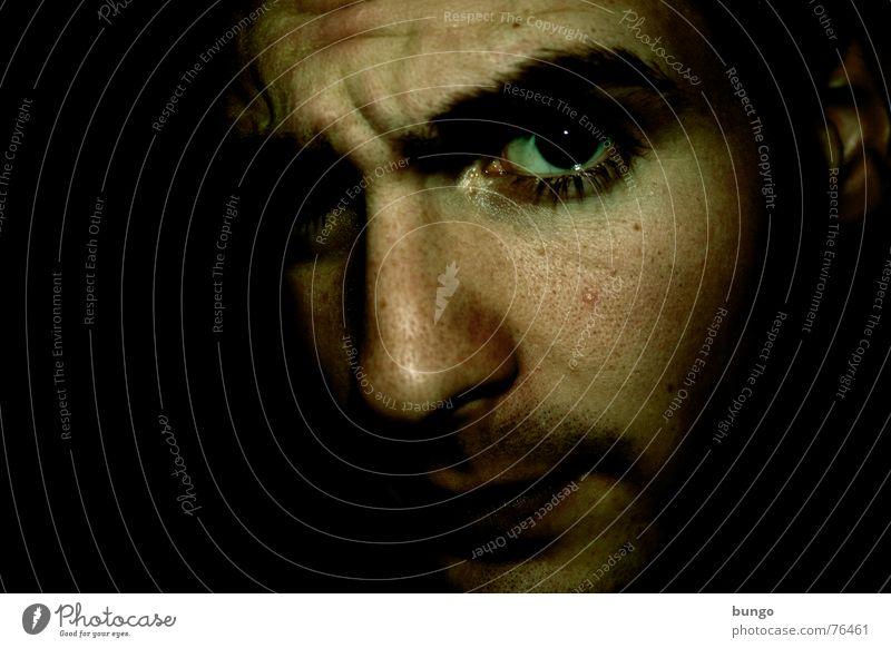 spacejunkie + exusu = bungo Selbstportrait Porträt Bart dunkel Nacht Monster gruselig erschrecken Ekel Alptraum Stirn Wut Trauer Denken Angst Panik gefährlich