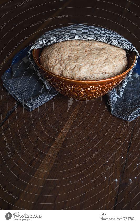 hefeteig Lebensmittel Teigwaren Backwaren Bioprodukte Vegetarische Ernährung gehen lassen Schalen & Schüsseln Handtuch lecker natürlich Holztisch Vorbereitung