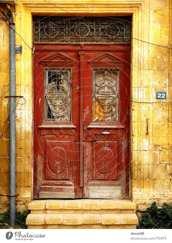 Nr. 22 Nikosia Grunge door doors abandoned decay cyprus turkish texture textures