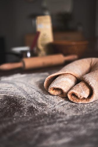 gefüllt und aufgerollt natürlich Lebensmittel Ernährung Kochen & Garen & Backen lecker Bioprodukte Kuchen Schalen & Schüsseln Backwaren Teigwaren