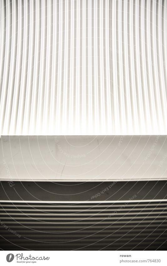 linien Linie grau schwarz weiß parallel Kurve Muster Strukturen & Formen dunkel Licht Decke Hintergrundbild Fuge Schatten Innenaufnahme Textfreiraum Mitte Tag
