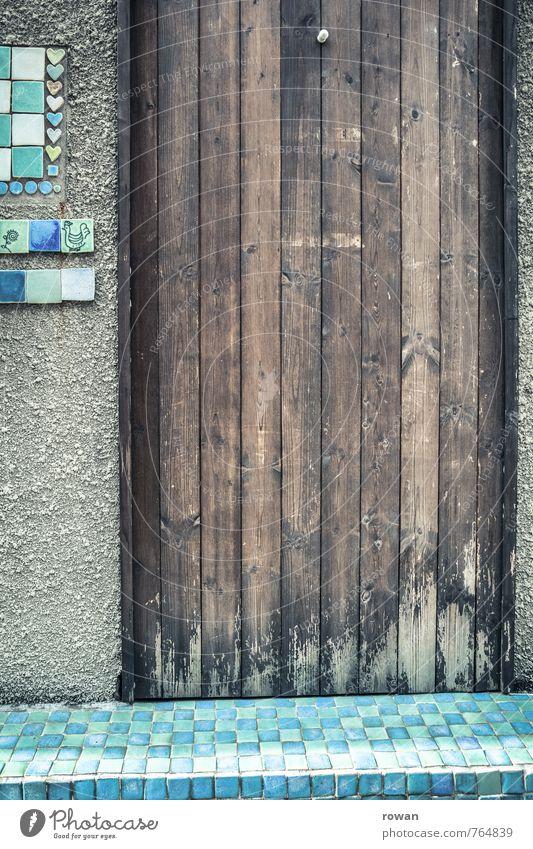 eingang Haus Einfamilienhaus Bauwerk Gebäude Architektur Mauer Wand Tür ästhetisch außergewöhnlich trendy Fliesen u. Kacheln Ton Dekoration & Verzierung Holztür