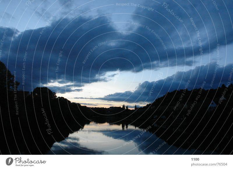 Sonnenuntergang am Fluß Himmel Wasser Baum Wolken dunkel Fluss Burg oder Schloss Skyline Unwetter Neckar Tübingen