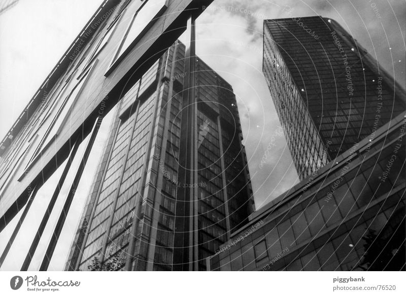 Vergänglichkeit Spiegel Reflexion & Spiegelung Hochhaus Frankfurt am Main Stadtzentrum Handel Reichtum Außenaufnahme reflektion Täuschung Skyline falsches bild