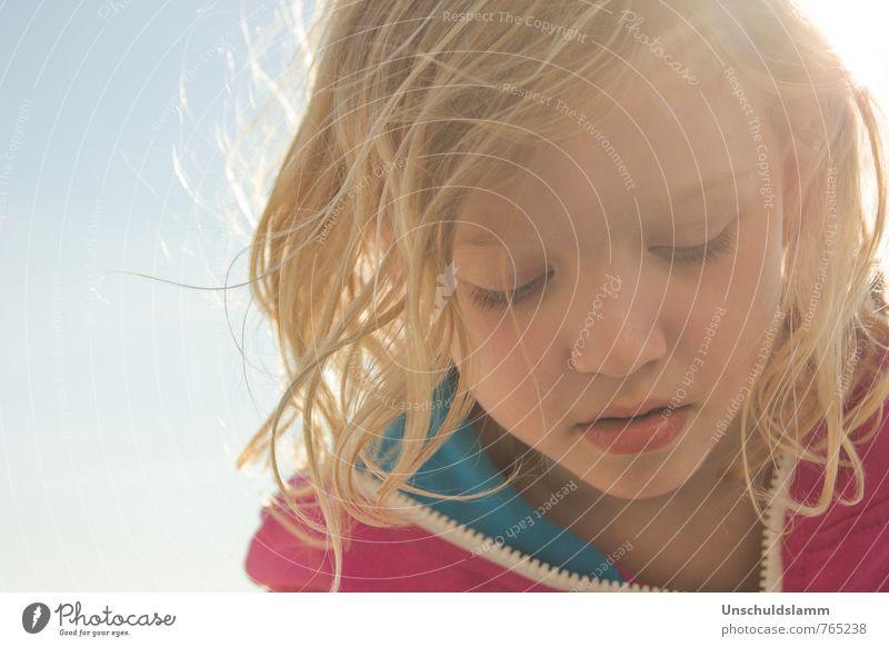 """""""Liebe kleine Krummelus...."""" Mädchen Kindheit Leben Gesicht 1 Mensch 3-8 Jahre Himmel Frühling Sommer Schönes Wetter Wind Haare & Frisuren blond beobachten"""