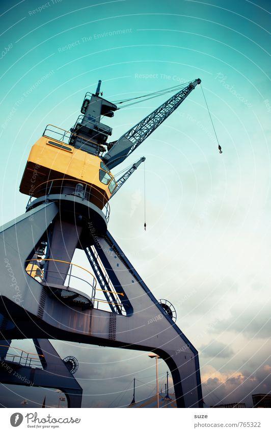 Stationäre Aufnahme Himmel blau Umwelt Küste Arbeit & Erwerbstätigkeit Deutschland Wetter groß Industrie Güterverkehr & Logistik Industriefotografie Hafen