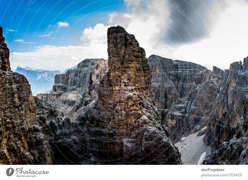 Der Fingerzeig in den Dolomiten Natur Ferien & Urlaub & Reisen Pflanze Sommer Landschaft Ferne Umwelt Berge u. Gebirge Gefühle Freiheit Felsen Kraft Tourismus