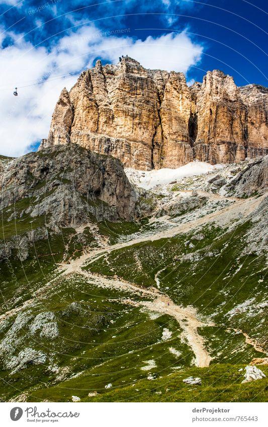 Panorama mit Gondel Natur Ferien & Urlaub & Reisen Pflanze Sommer Landschaft Wolken Ferne Umwelt Berge u. Gebirge Gefühle Wege & Pfade Gras Freiheit Felsen
