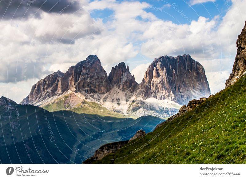Gestern dort – heute hier Natur Ferien & Urlaub & Reisen Pflanze Sommer Landschaft Ferne Umwelt Berge u. Gebirge Gefühle Freiheit Glück Felsen Stimmung Horizont Tourismus wandern