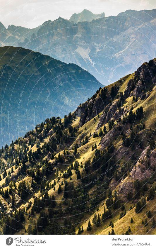 Und plötzlich wirkt alles so klein... Ferien & Urlaub & Reisen Tourismus Ausflug Abenteuer Ferne Freiheit Sommerurlaub Berge u. Gebirge wandern Umwelt Natur