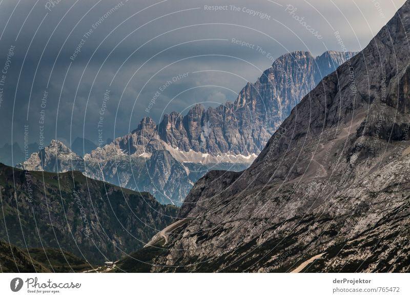 Schroff und Abweisend Natur Ferien & Urlaub & Reisen Pflanze Sommer Landschaft Ferne kalt Umwelt Berge u. Gebirge Gefühle Freiheit Felsen Angst Tourismus