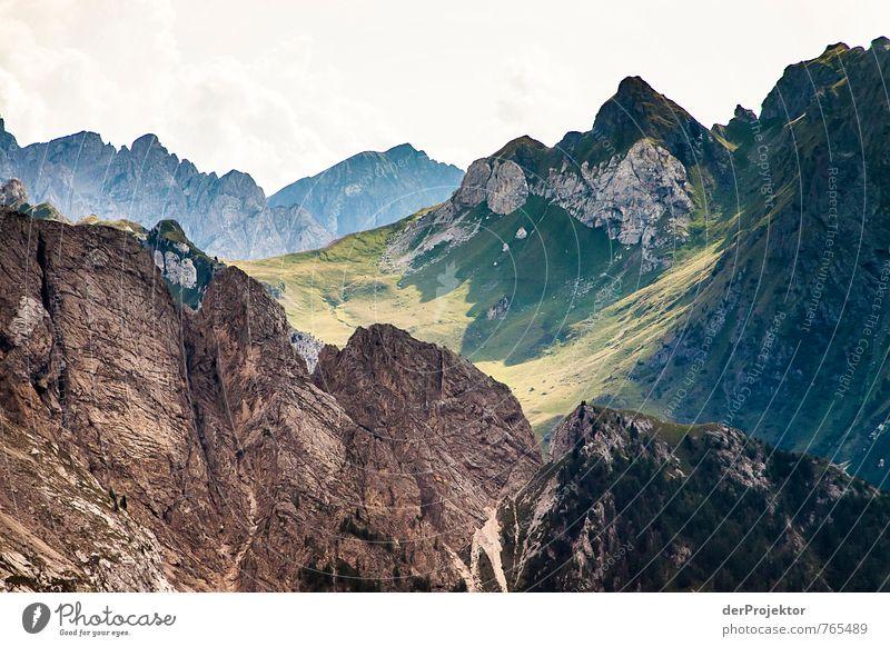 In die Tiefe des Raums Natur Ferien & Urlaub & Reisen Pflanze Sommer Landschaft Wolken Ferne Umwelt Berge u. Gebirge Gefühle Freiheit Felsen Stimmung Tourismus