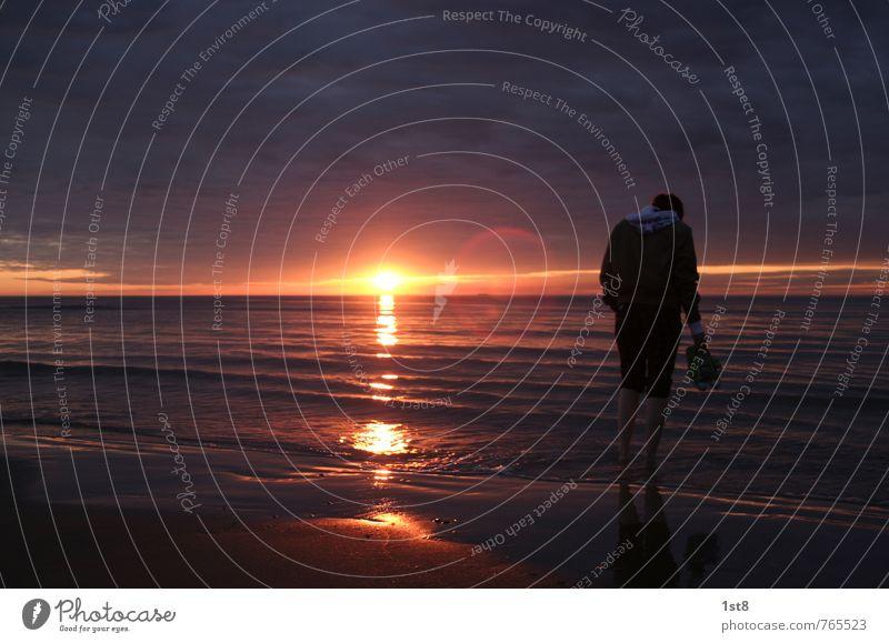 schlechtes wetter richtig schön Mensch Mädchen 1 18-30 Jahre Jugendliche Erwachsene Umwelt Natur Sand Wasser Sonnenaufgang Sonnenuntergang Sonnenlicht Sommer