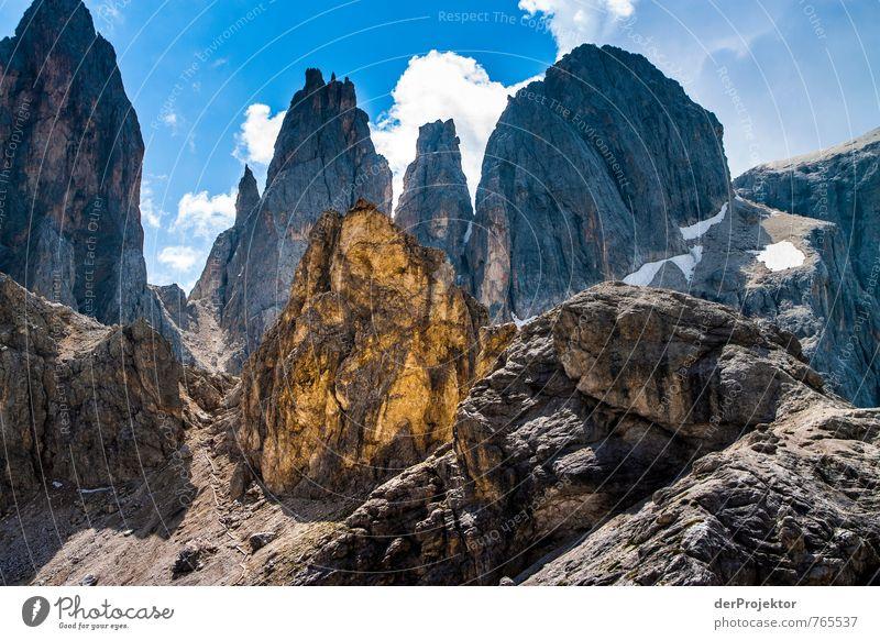 Berg aus Gold Natur Ferien & Urlaub & Reisen blau Pflanze Sommer Landschaft Ferne Umwelt Berge u. Gebirge Gefühle Freiheit braun Felsen gold Tourismus wandern