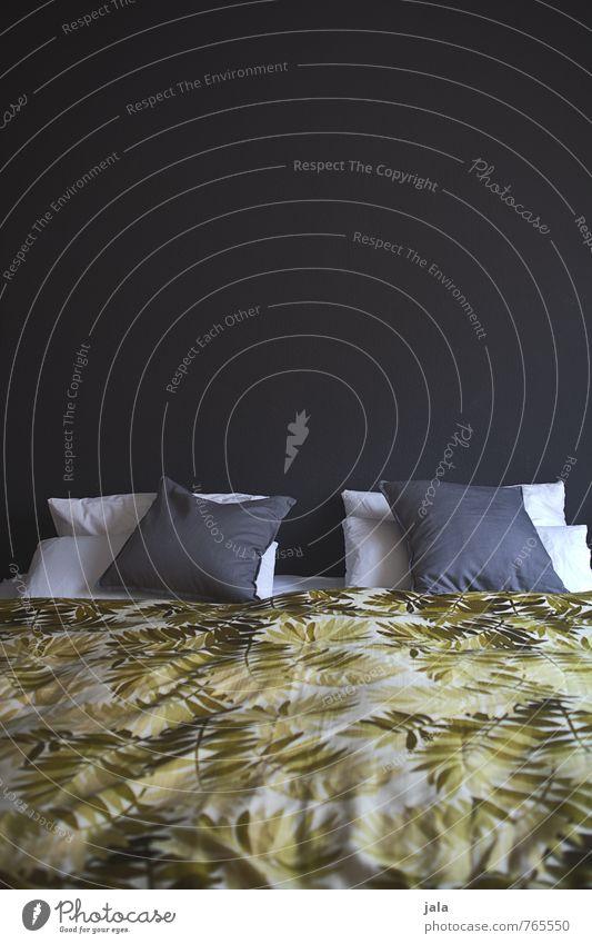 bett Stil Design Häusliches Leben Wohnung Innenarchitektur Dekoration & Verzierung Bett Schlafzimmer Kissen ästhetisch Sauberkeit Schlafplatz Farbfoto