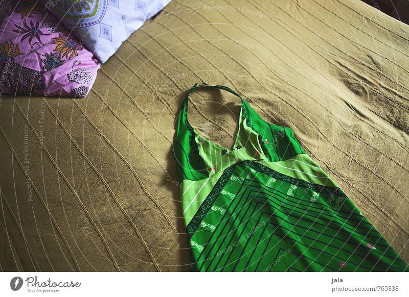 hippie kleid Lifestyle elegant Stil Häusliches Leben Wohnung Innenarchitektur Dekoration & Verzierung Bett Schlafzimmer Kissen Mode Bekleidung Kleid ästhetisch