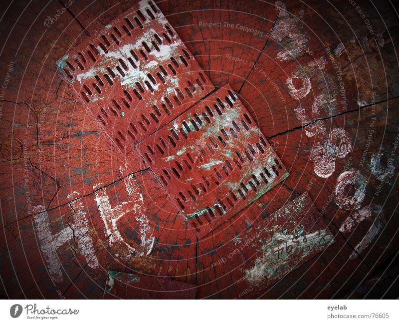 D8594 rot Baum Holz Holzmehl schwarz Stahl weiß Typographie Text Muster Abholzung Herbst Sommer Hoffnung Säge red tree black Metall steel white pattern