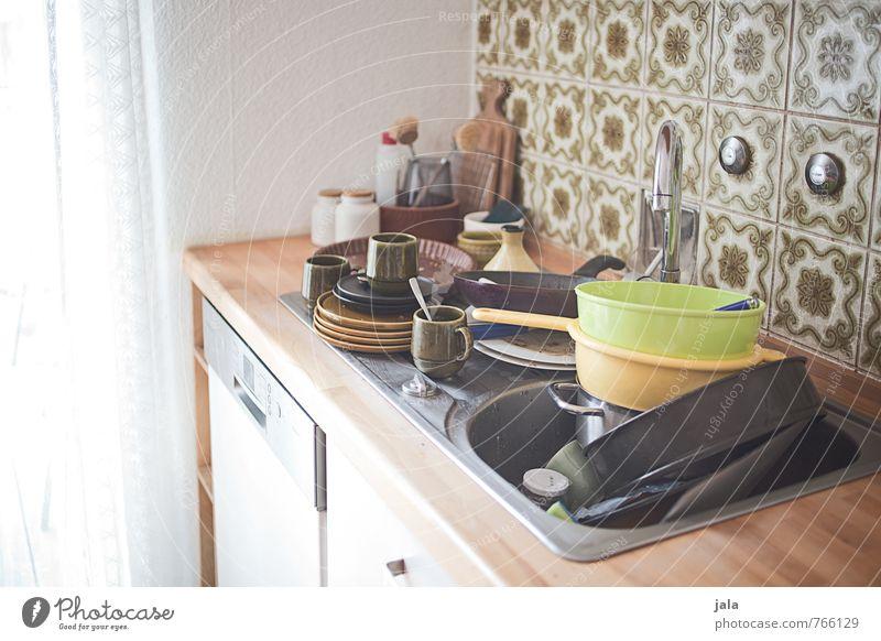 abwasch Innenarchitektur Wohnung dreckig Häusliches Leben bedrohlich viele Küche Möbel Geschirr Geschirrspülen Küchenspüle