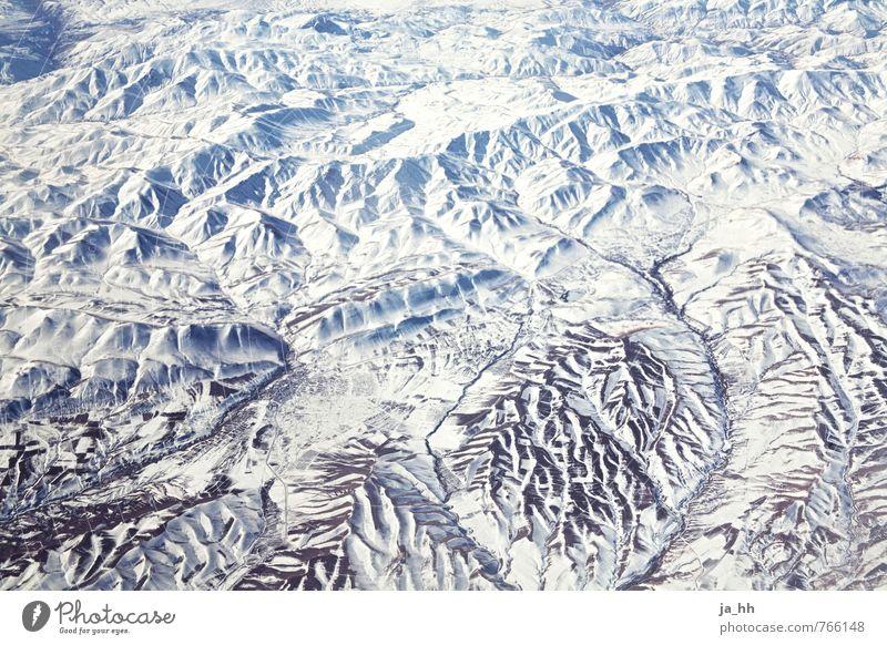 Gebirge Natur Landschaft Erde Winter Schnee Felsen Berge u. Gebirge Schneebedeckte Gipfel Gletscher Erholung wandern Iran Luftaufnahme Vogelperspektive