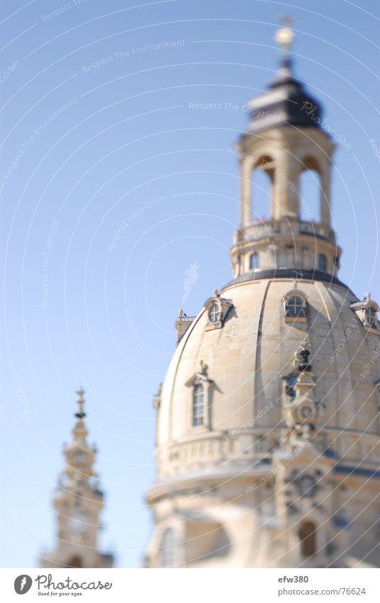 architektonische Vollendung Dresden Sonne Unschärfe Sandstein Frauenkirche Religion & Glaube zu unserer lieben frauen Blauer Himmel george bähr