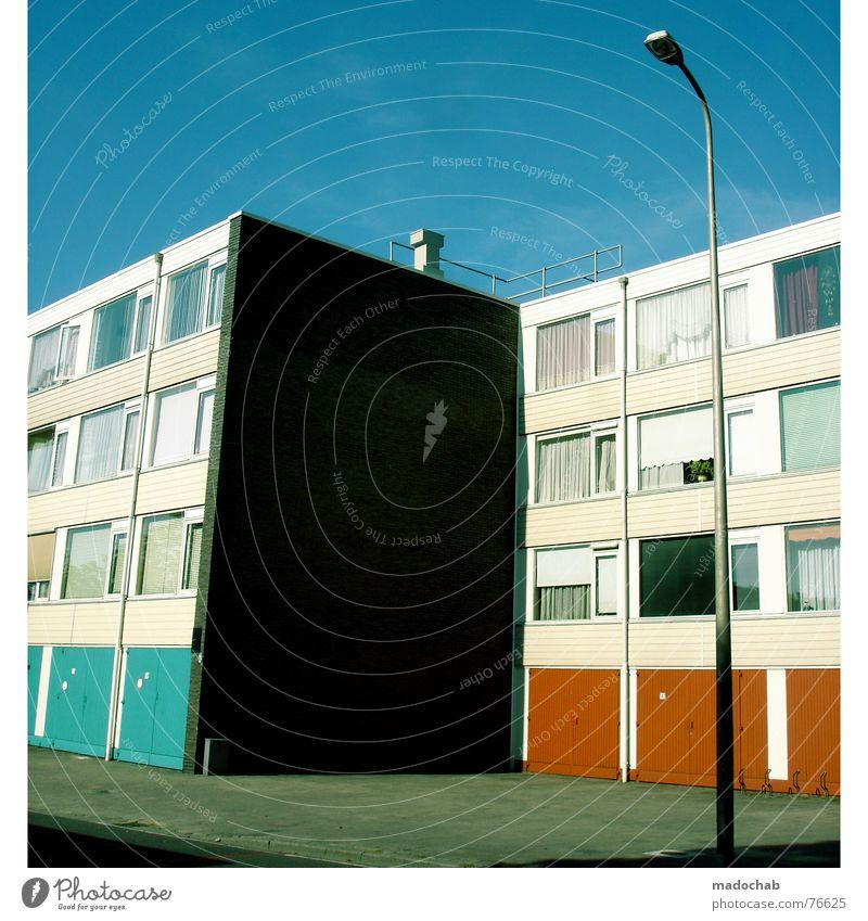 ANTIZYKLISCH Himmel Stadt blau Wolken Haus Freude Fenster Leben Architektur Gebäude Freiheit fliegen oben Arbeit & Erwerbstätigkeit Wohnung Design