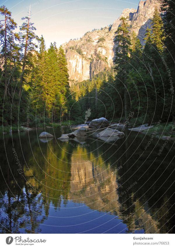 Im Spiegel der Natur Natur ruhig Zufriedenheit Idylle Bach Spiegelbild Nationalpark Yosemite NP