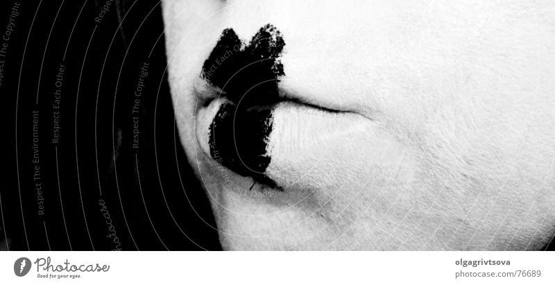 Lippenbekenntnisse Geständnis Schminke weiß schwarz Pantomime Frau Fräulein herzförmig Mund Herz