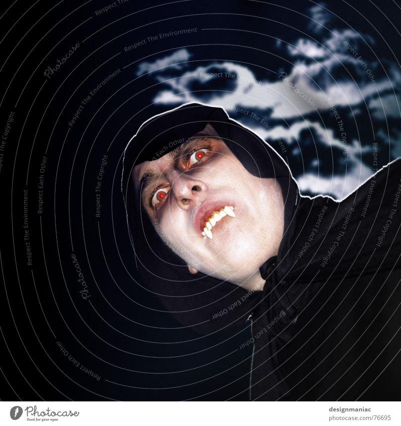 Vor der Jagd ... alt Himmel blau schwarz Wolken Ferne dunkel Traurigkeit Angst Wind Zähne Sträucher Turm Karneval Sturm Hügel