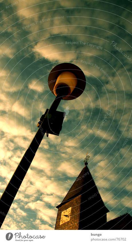 Schäfchen Himmel Farbe Wolken dunkel Herbst Religion & Glaube Lampe Zeit Wind Uhr Vergänglichkeit Symbole & Metaphern berühren Frieden Zifferblatt Laterne