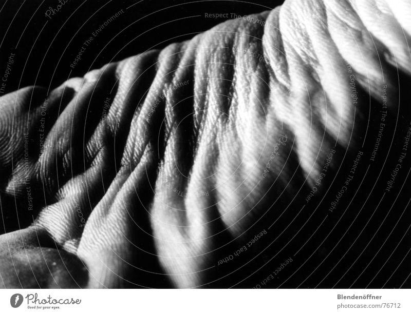 Fußlandschaften Schatten Schwarzweißfoto Körperteile Landschaft Beine Detailaufnahme Gliedmaßen
