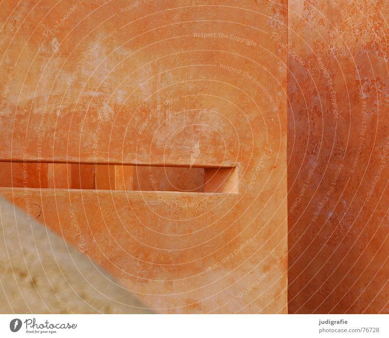 Wände und Winkel Wand Mauer Schlitz Fenster Durchbruch durchsichtig Hannover Terrakotta Ecke Weltausstellung Farbe Strukturen & Formen Architektur