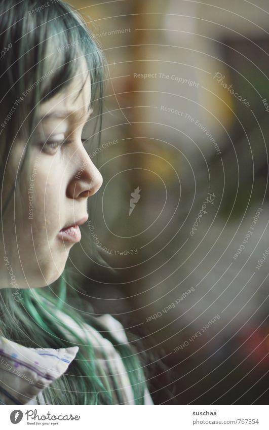 Profil feminin Kind Mädchen Kindheit Körper Haut Kopf Haare & Frisuren Gesicht Auge Nase Mund Lippen 1 Mensch 8-13 Jahre langhaarig grün grüne Haare Karneval
